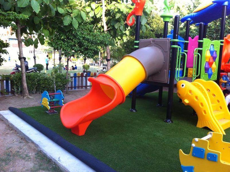 หญ้าเทียมสนามเด็กเล่น
